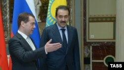 Премьер-министр России Дмитрий Медведев и премьер-министр Казахстана Карим Масимов.