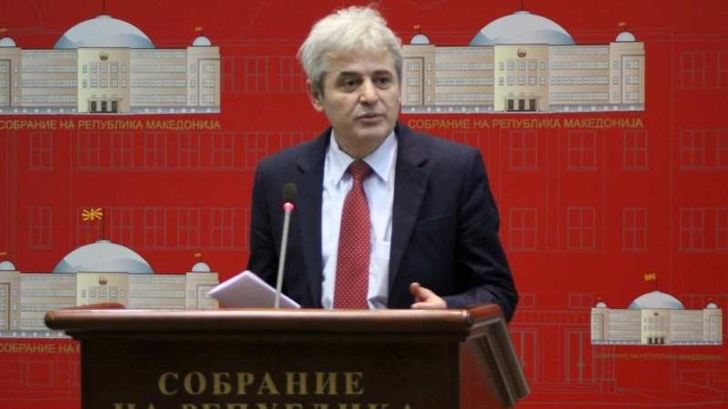 Ахмети   Нема договор за законот за албански јазик