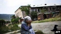 در پی درگيری های آغاز شده بر سر اوستيای جنوبی، ده ها هزار غیرنظامی گرجی، خانه و کاشانه شان را ترک کردند.(عکس: AFP)