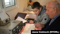 Mirko Ivanović radio amaterizmu uči i unuka Matiju