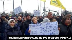 Участники вече на площади Героев Революции, Запорожье, Украина. 8 декабря 2012 года