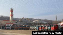 Kamionët e kompanisë Agi-Dani.