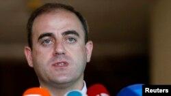 Оппоненты тбилисского мэра не верят в то, что законы будут работать, пока градоначальник сидит на своем месте