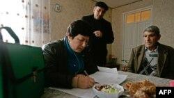 Работники бюджетной сферы уже несколько месяцев томятся в ожидании повышения зарплаты на 70%, которое пообещал им президент Абхазии в начале нынешнего года