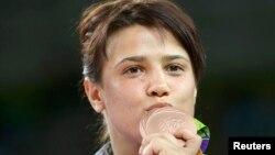 Екатерина Ларионова с бронзовой медалью Олимпийских игр в Рио.