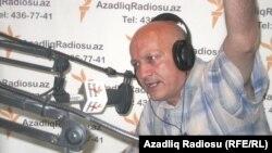 """Dilavər Əzimli Azadlıq Radiosunun """"Pen klub"""" proqramında (Arxiv)"""