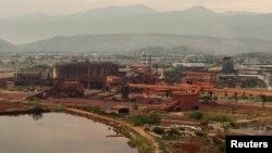 Pogled na Kombinat aluminijuma Podgorica, 2013.