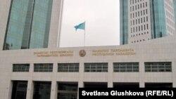 Парламент мәжілісі, Астана. (Көрнекі сурет).