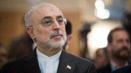 رئیس سازمان انرژی اتمی ایران میگوید ممکن است برخی از محدودیتهای برجامی را به حال تعلیق در بیاوریم.