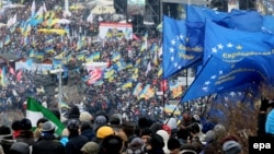 Киев. Бәйсезлек мәйданы. 8 декабрь 2013