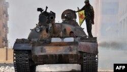 Suriyadakı kürd YPG silahlıları.