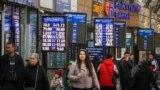 Азия: очереди за долларом после падения нацвалют