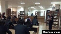 По словам Сациты Исраиловой, в Национальное библиотеке Чеченской Республики примерно шесть лет функционирует интеллектуальный клуб, где каждую пятницу собирается молодежь