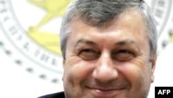 23 марта президент Южной Осетии Эдуард Кокойты заявил, что руководство Южной Осетии заинтересовано в оживлении многопартийности в республике