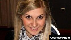 Сања Божовиќ, програмски асистент во МОФ.