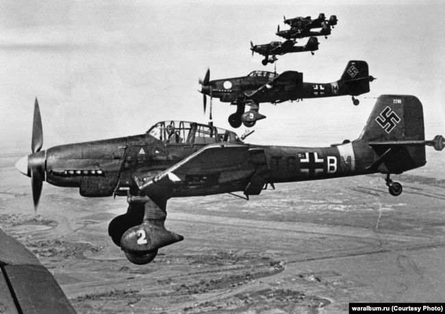 Немецкие бомбардировщики над Сталинградом