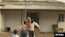 Россиядан қайтган муҳожир отани қаршилаш...