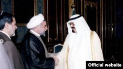 دیدار حسن روحانی با پادشاه عربستان در ۲۲ خرداد ۱۳۸۴. عکس از وبسایت حسن روحانی