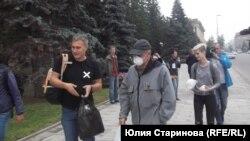 Экоактивисты раздают респираторы в Красноярске