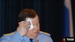 В отсутствие Владимира Устинова представители Совета Федерации проголосовали за его отставку быстро