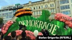 """Proteste """"antioligarhice"""" la Praga, Cehia"""