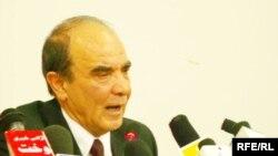 د لوړو زده کړو وزیر محمد اعظم دادفر وايي د ماسټرۍ مساله مهمه ده، موږ باید ماسټري په افغانستان کې پیل کړو.