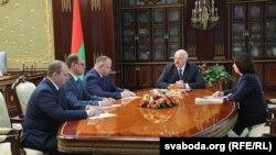 Лукашенко жана жаңы министрлер. 31-август, 2018-жыл.