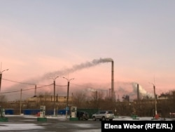 Дым от металлургического комбината «АрселорМиттал Темиртау».