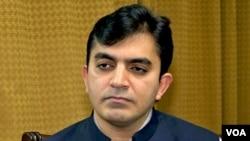 محسن داوړ وویل چې چارواکو ورته ویلي چې امن و امان ته د ممکنه خطر جوړېدو له کبله دی د بلوچستان یوې سیمې ته هم د تګ اجازه نه لري.