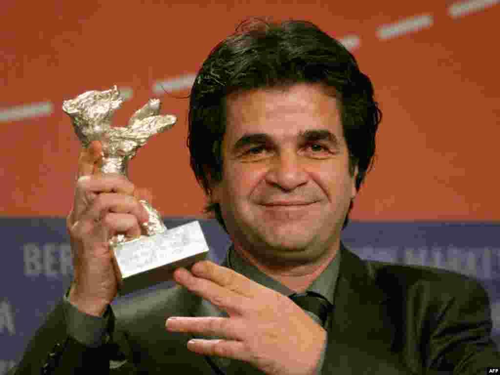 آقای پناهی پنج سال پیش در همین روزها خرس نقرهای جشنواره برلین را بر سر دست برده بود