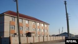 Синопек -Ақтөбе мұнай компаниясының Ақтөбе қаласындағы кеңсесі,қараша, 2008 жыл.