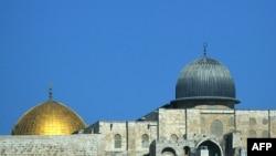 نمایی از گنبد طلایی مسجد الاقصی در شرق اورشلیم، بیت المقدس
