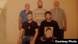 Фермер Арамаис Авакян (в центре сверху), обвиняемый узбекскими властями в связях с «ИГ».
