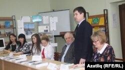 Фидаил Мәҗитов чыгыш ясый