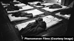 Кадр из фильма ДАУ