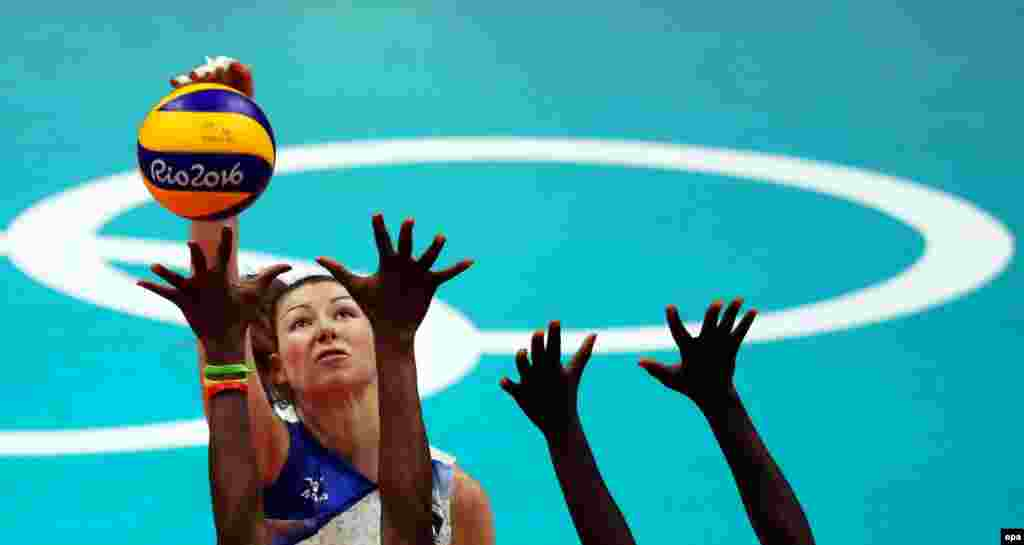 Irina Zaryazhko of Russia in action during a women's volleyball preliminary round match between Russia and Cameroon.