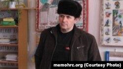 Коллеги Титиева отмечают, что он ведет здоровый образ жизни и является соблюдающим мусульманином