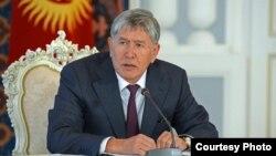 Presidenti i Kirgizisë Almazbek Atambaev