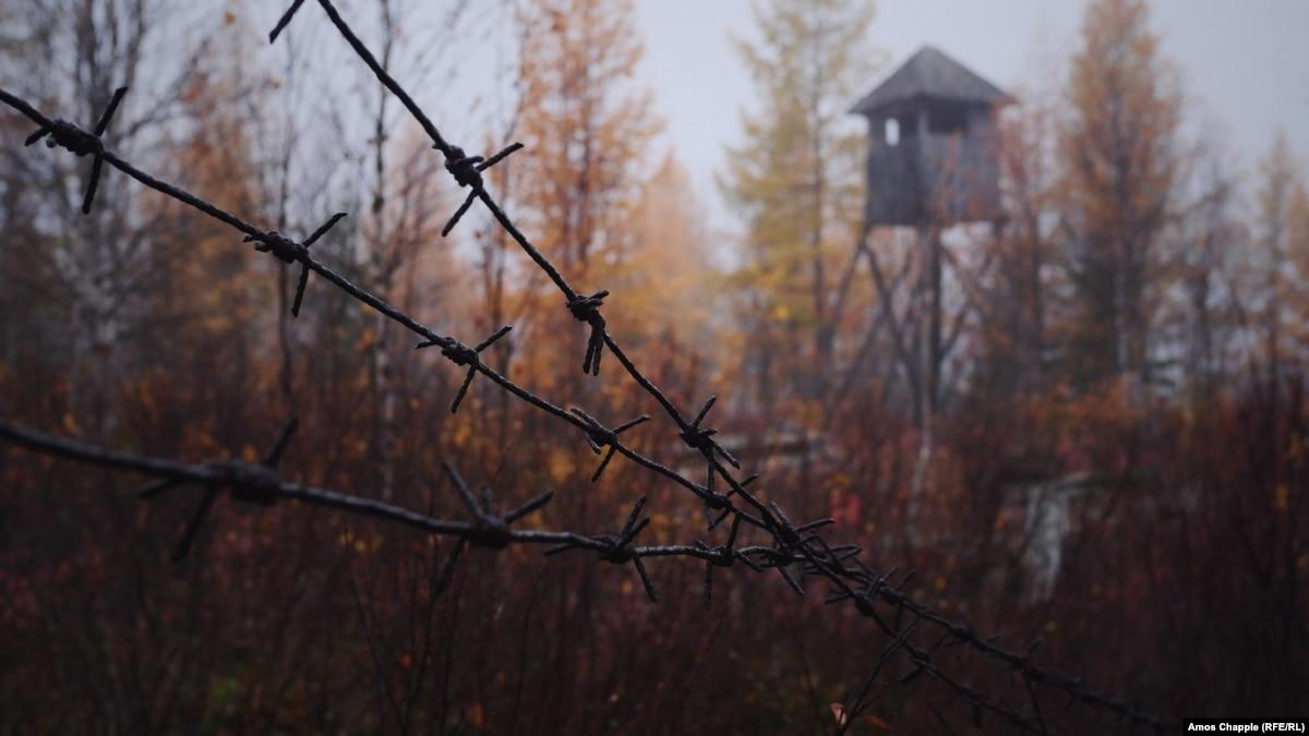 «Отсутствие памяти о ГУЛАГЕ – одна из причин нынешних репрессий в России» – Энн Эпплбом