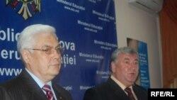 Leonid Bujor și S. Pirojkov, ambasadorul Ucrainei la Chișinău