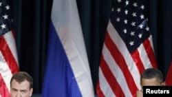 რუსეთის პრეზიდენტი დმიტრი მედვედევი და აშშ-ის პრეზიდენტი ბარაკ ობამა