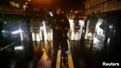 Полиция на месте, где произошло нападение в Стамбуле. 1 января 2017 года.