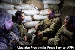Президент Украины Владимир Зеленский в зоне Операции объединенных сил (ООС) в Донбассе, 9 апреля 2021 года
