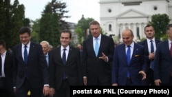 Pfreședintele Klaus Iohannis alături de liderii și candidații PNL la Iași