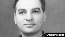 Віце-адмірал Володимир Пилипенко (фото з сайту http://flot.com/publications/books/shelf/motherlandsons/70.htm)