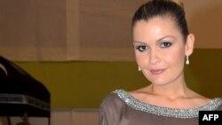 Лола Каримова-Тиллаева. Париж, 8 сәуір 2009 жыл.