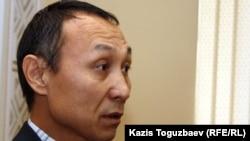 Юрист Сакен Шардаров, представляющий в суде интересы Екпина Шардарова. Алматы, 4 января 2012 года.