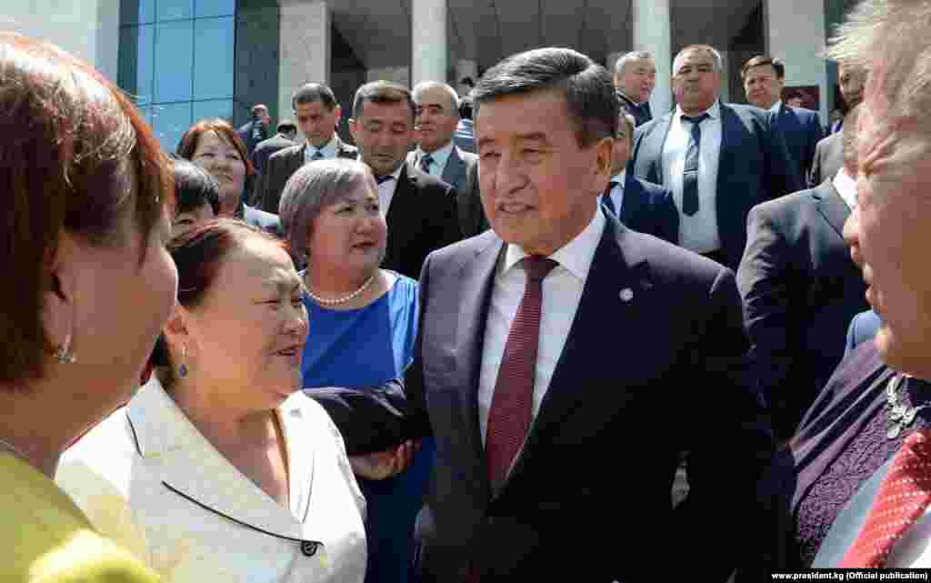 """Бишкектеги """"Ала-Арча"""" мамлекеттик резиденциясында Чет өлкөдөгү мекендештер менен байланыш боюнча кеңештин биринчи жыйыны өттү. Ага Сооранбай Жээнбеков катышты."""