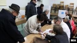 Втор круг гласање на Локални избори 2013.