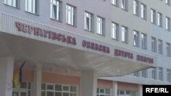 Одна з дівчат, яких побили, потрапила до лікарні зі струсом головного мозку, численними травмами на тілі та обличчі
